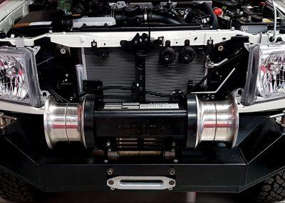 Custom hydraulic driven capstan winch for 79 series Land Cruiser